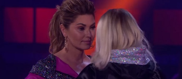 "Shania Twain enfrenta Meghan Trainor no programa ""Drop The Mic"""