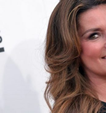 Shania Twain receberá prêmio no 'Billboard Women In Music 2016'