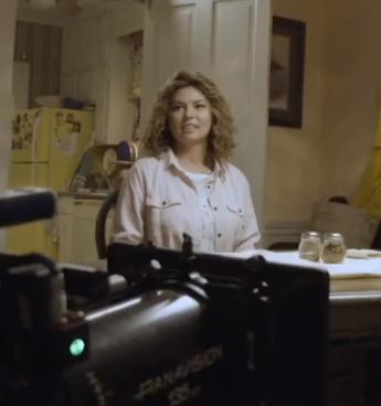 """Shania Twain no set de gravações do filme """"I Still Believe"""""""